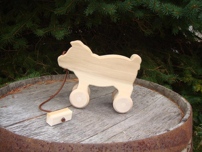 Child Play – Unfinished Pine Pull-Toy Pig